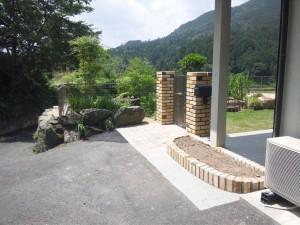 リガーデン レンガ門柱